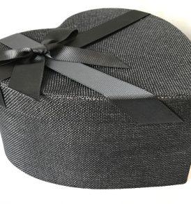 Scatola regalo cuore nera