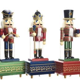 Carillon natalizio in legno, Schiaccianoci