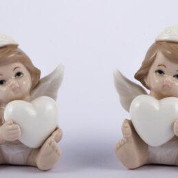 Bomboniera angioletto con cuore in porcellana