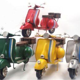 Bomboniera Collezione OLD STYLE - Soggetto Scooter in Latta Anticata con Bauletto Posteriore Grande